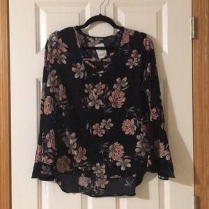 Charlotte Russe Floral Lace-up Bell Sleeve Blouse